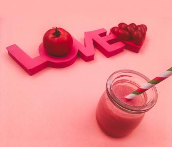 Suco de tomate para bebês