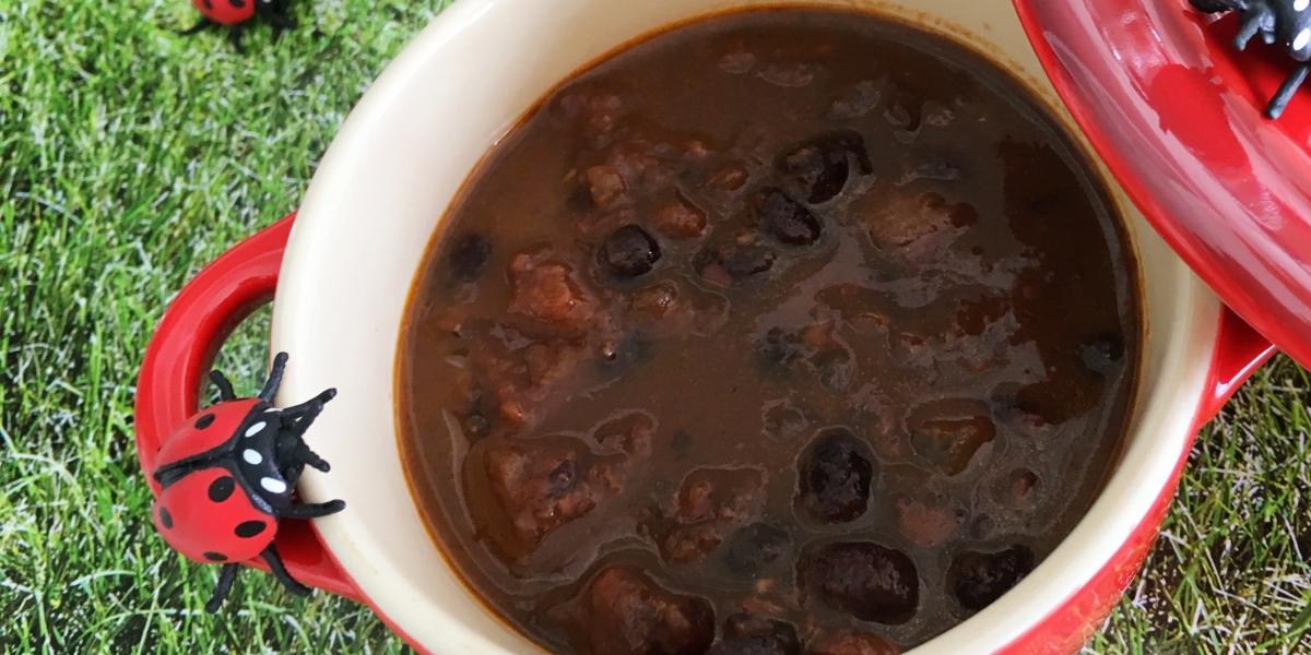 Feijão preto com tomate