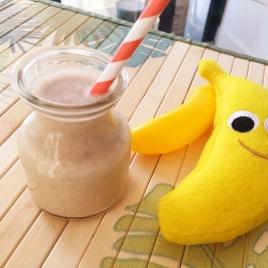 Vitamina de pasta de amendoim com banana