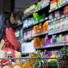 Farinha, gordura e açúcar dominam as gôndolas dos supermercados