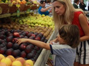 Relação entre pais e filhos na hora de escolher alimentos
